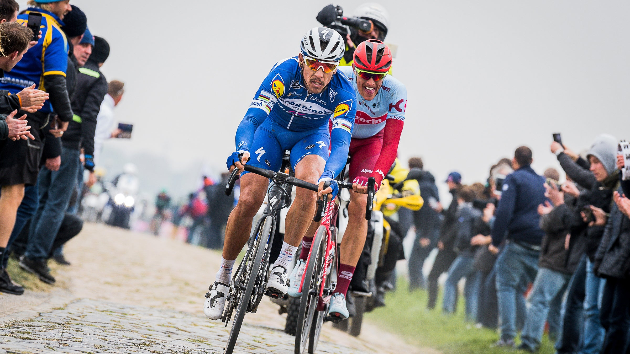 Gilbert and Polit on cobbles