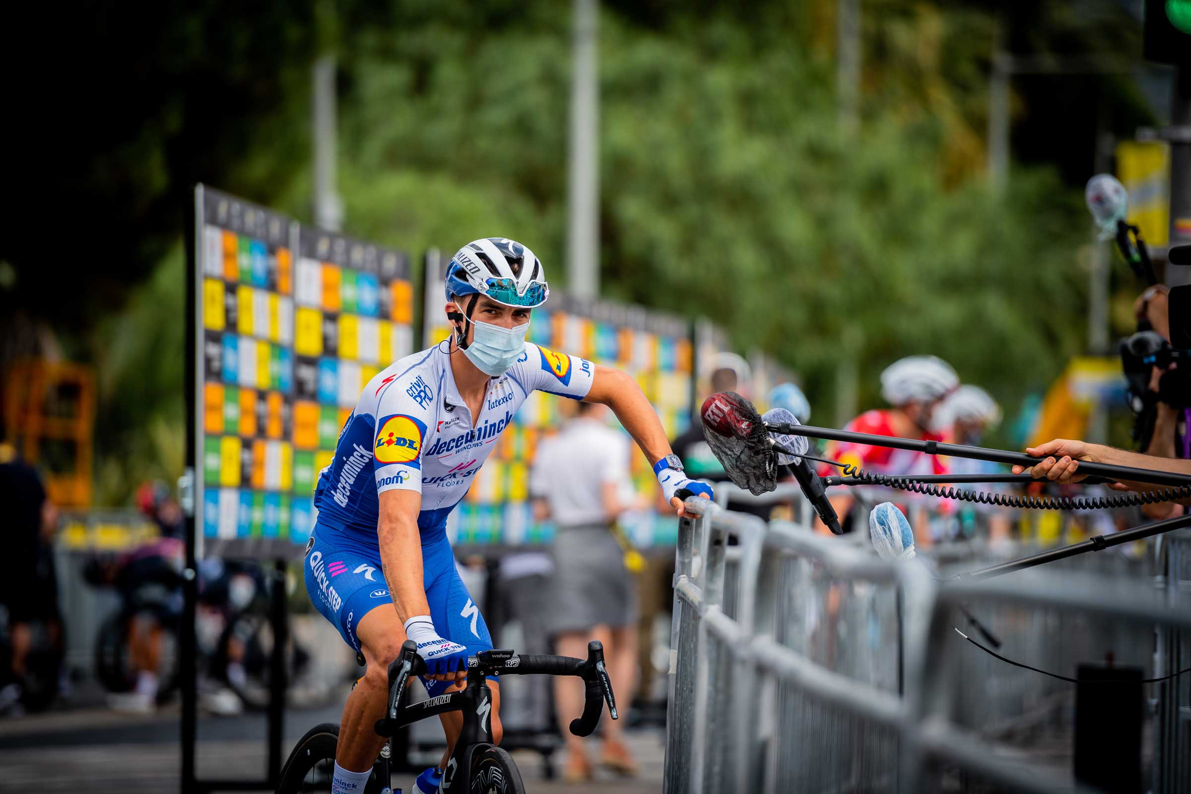 stg01_alaphilippe-mixed-zone01_tdf_2020-(1-of-1)