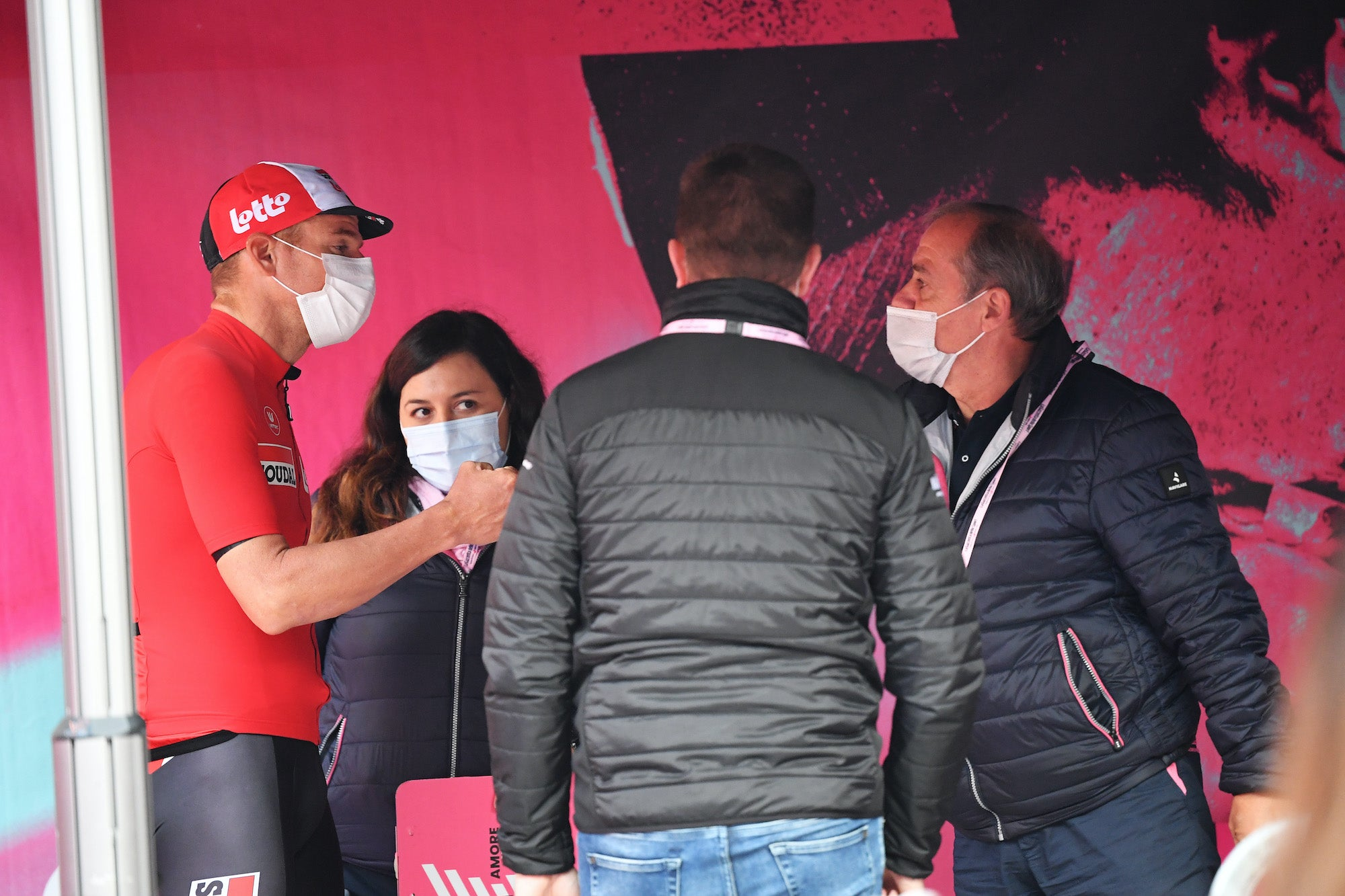 Riders' group addresses Giro d'Italia organizers in open letter: 'We are not heroes but men' – VeloNews.com