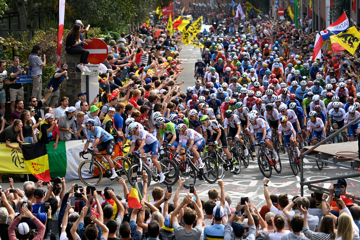 Massive crowds turn out in Flanders to cheer thrilling worlds race