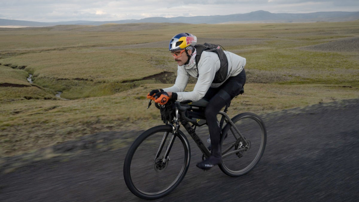 Payson McElveen rides across Iceland in fewer than 24 hours